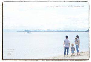 海辺のファミリーフォト